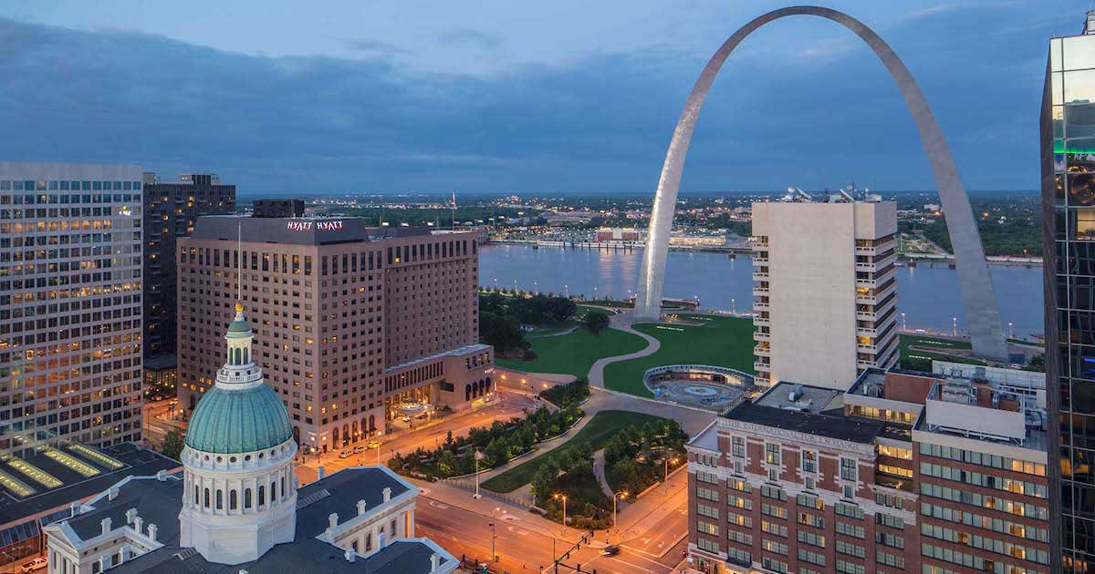 Hyatt-Regency-St.-Louis-at-The-Arch-Exterior